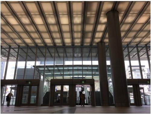新横浜駅改札口トリミング